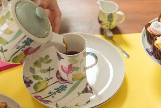 Water garden teapot, mug and saucer